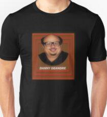 DANNY DEANDRE (ERIC ANDRE - DANNY DEVITO) Slim Fit T-Shirt