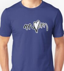 MUM heart - for prints on Colours Unisex T-Shirt
