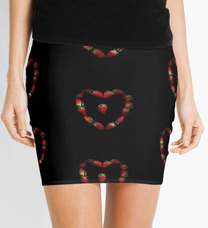 Herz aus Erdbeeren Minirock
