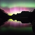 Aurora over Lake Lilla by tinnieopener