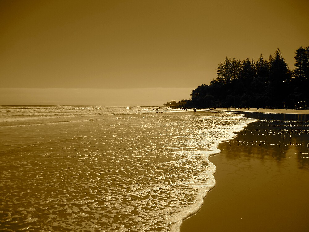 gold coast beaches by jonnywalker