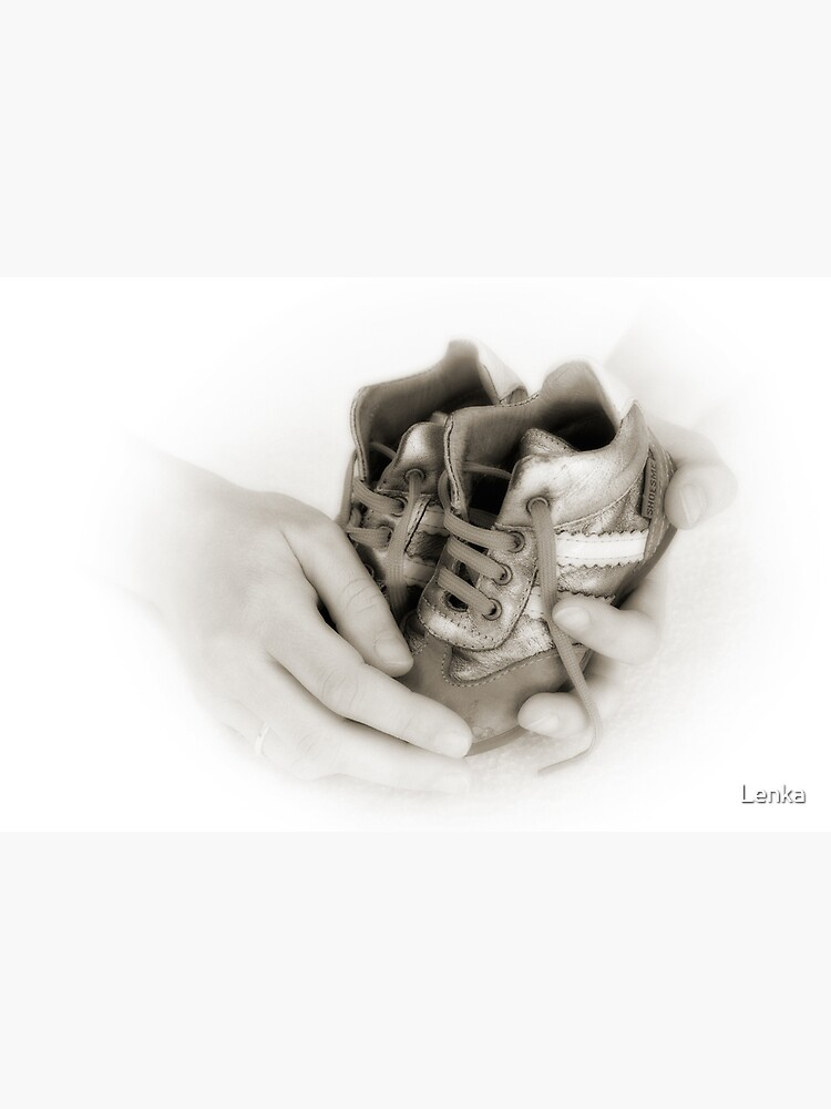 Hands: Care and protection by Lenka