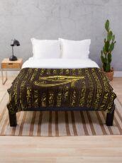 Goldenes ägyptisches Auge von Horus und von Hieroglyphen auf Holz Fleecedecke