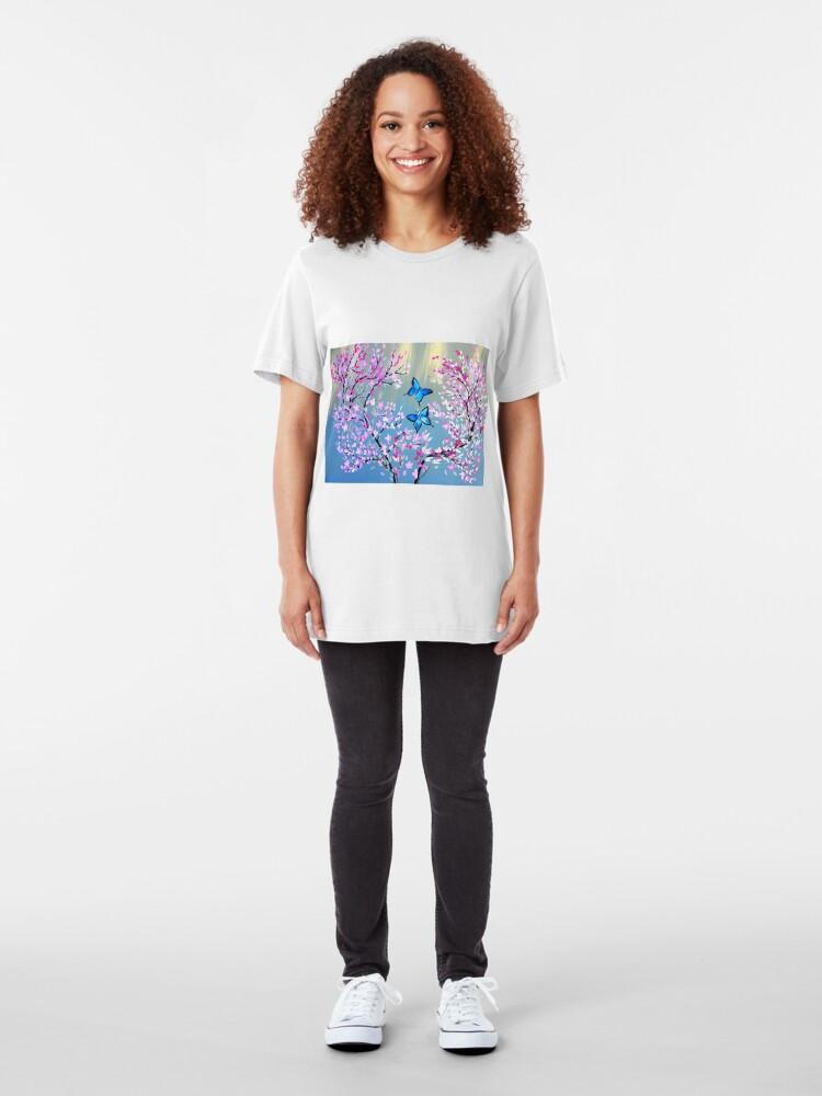 Alternative Ansicht von Schmetterlinge und Kirschblütenzweige Slim Fit T-Shirt