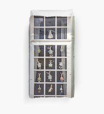 Fenêtre Fantastique Duvet Cover