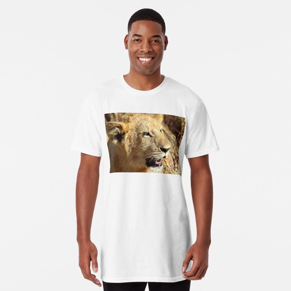 Closeup Lion Cub, Maasai Mara, Kenya  Long T-Shirt