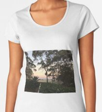 Beautiful scenery in Collaroy, NSW Women's Premium T-Shirt