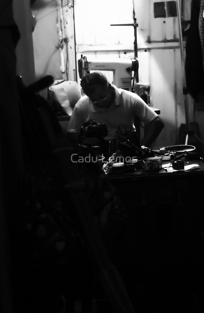 the shoemaker, after hours... by Cadu Lemos