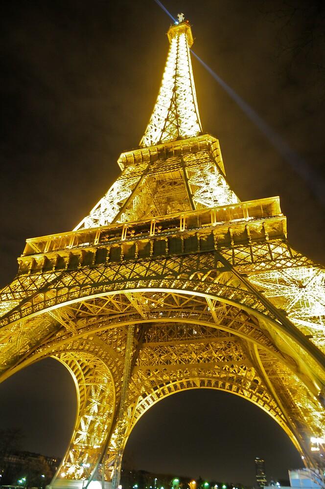 Eiffel Tower by nimrod