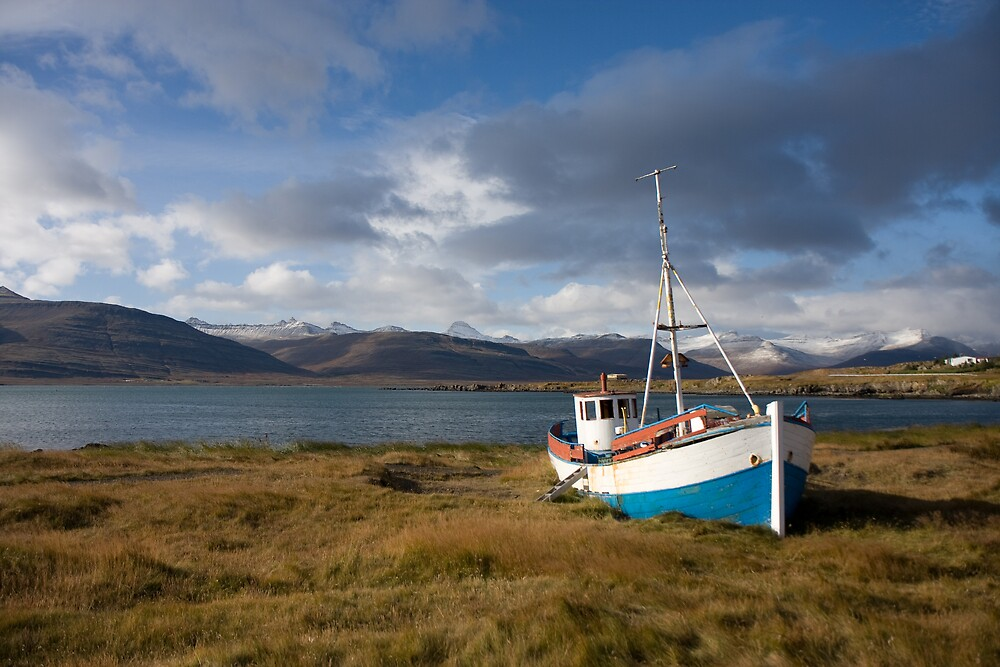 Ship ashore by Phil Bain