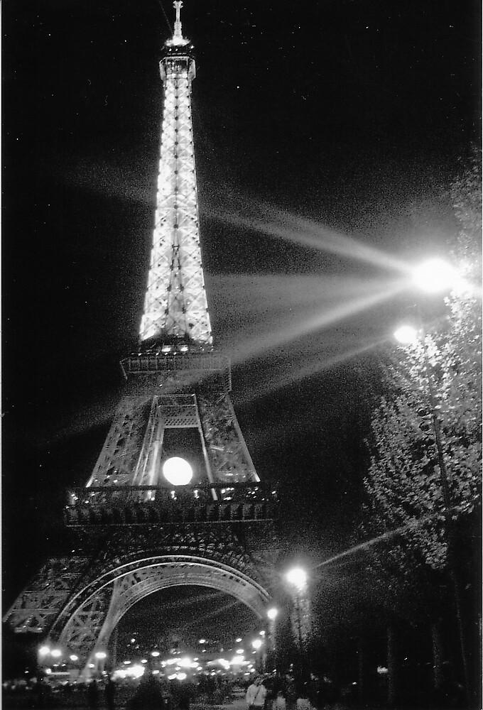 eiffel tower by chookey