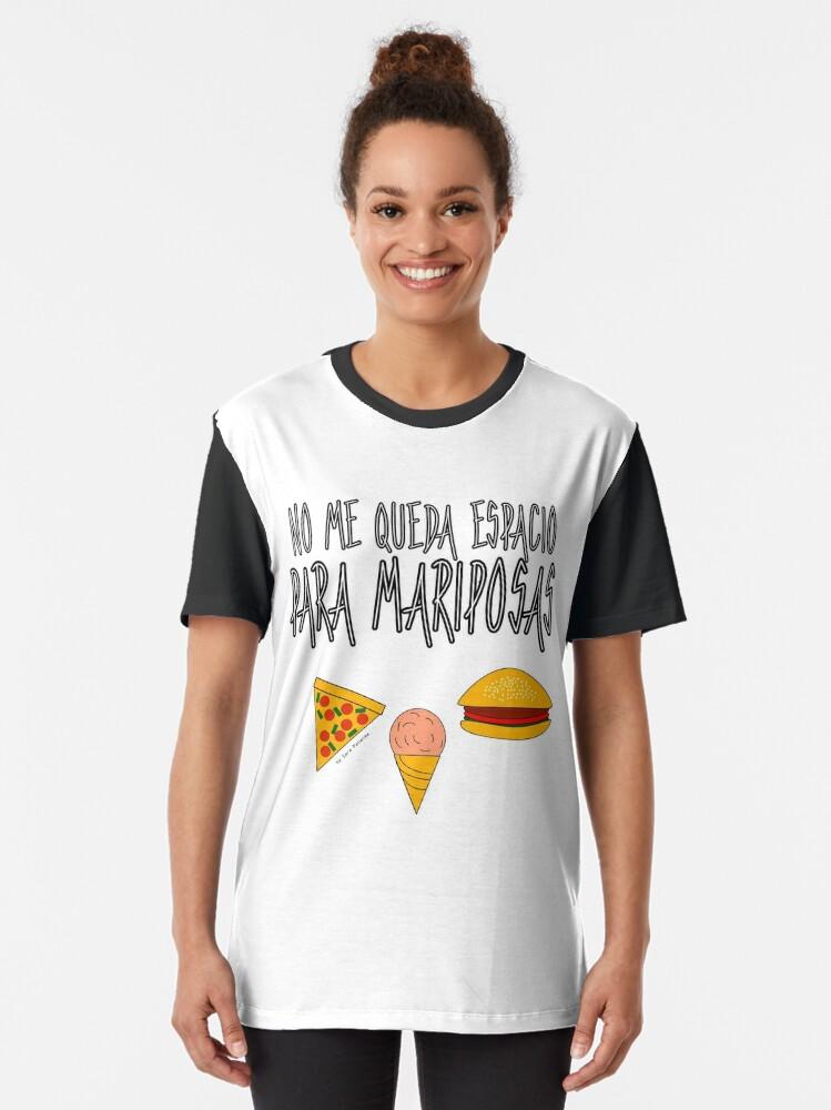Vista alternativa de Camiseta gráfica COMIDA ANTES QUE MARIPOSAS