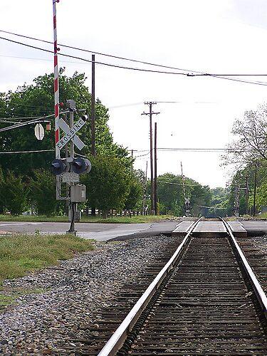Railroad by LindseyDezirea
