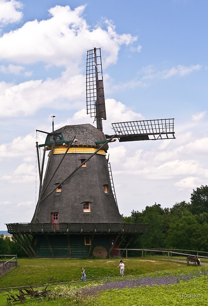 Windmill by yoshke