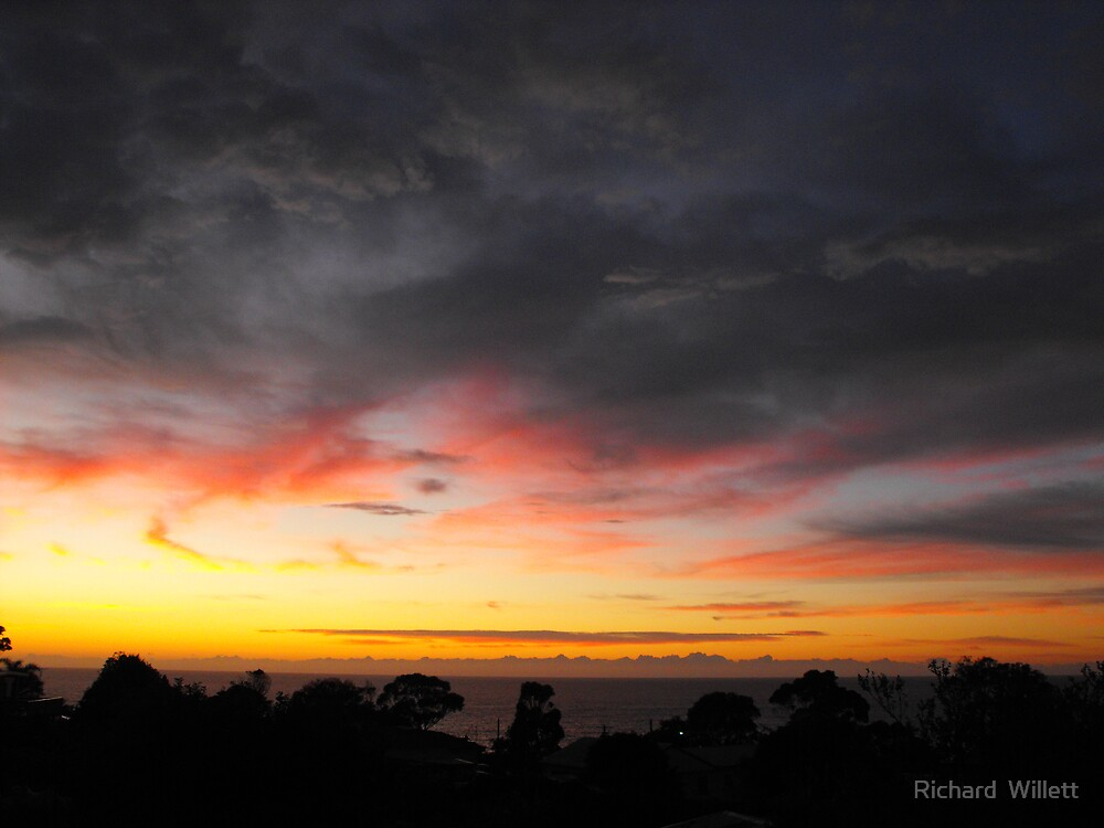 Sunrise at Tathra, South Coast NSW Australia  by Richard  Willett