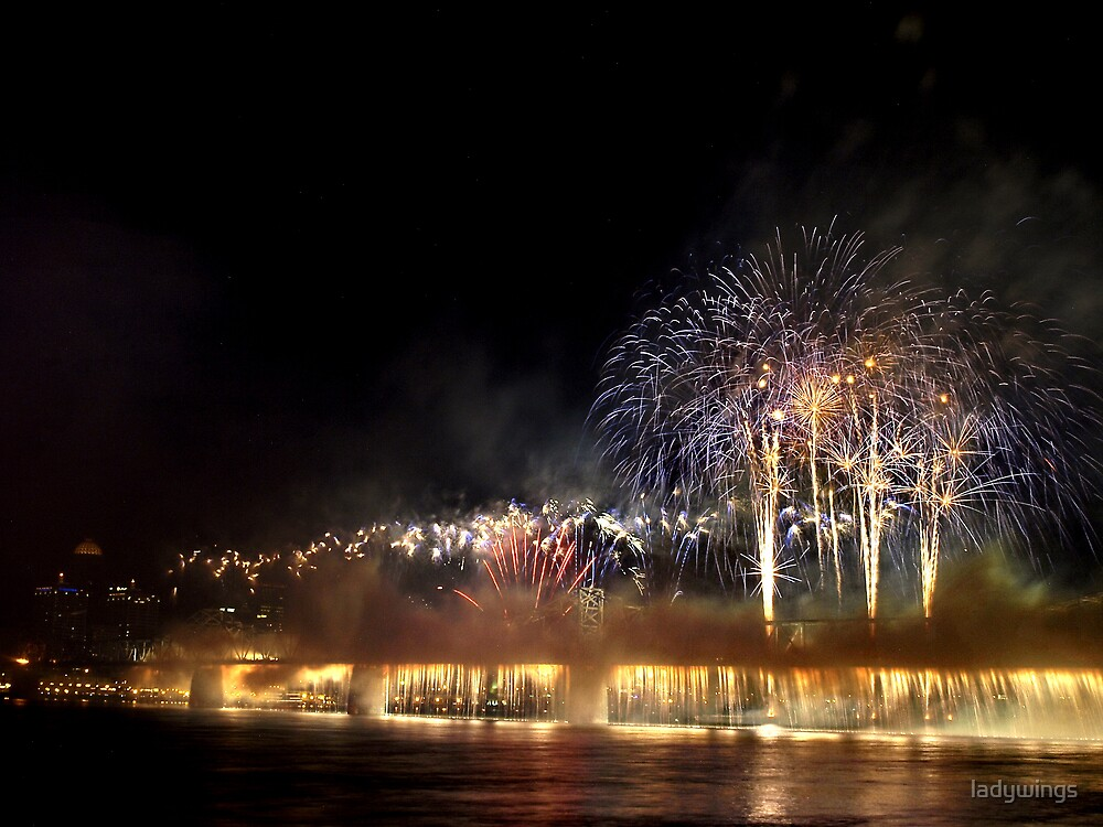 Thunder Over Louisville 2009 by ladywings