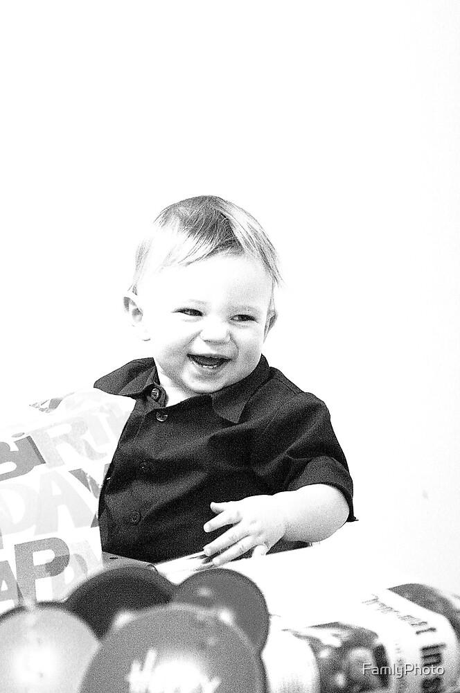 Birthday smiles by FamlyPhoto