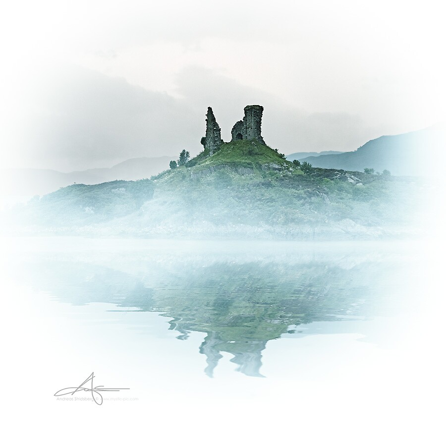 Scottish Ruins by Andreas Stridsberg