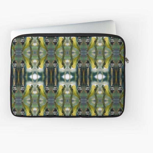 Corn Smut (Ustilago maydis) Laptop Sleeve