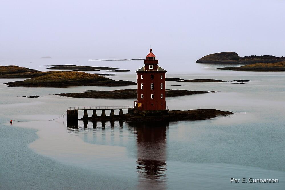 Kjeungkjer lighthouse II by Per E. Gunnarsen