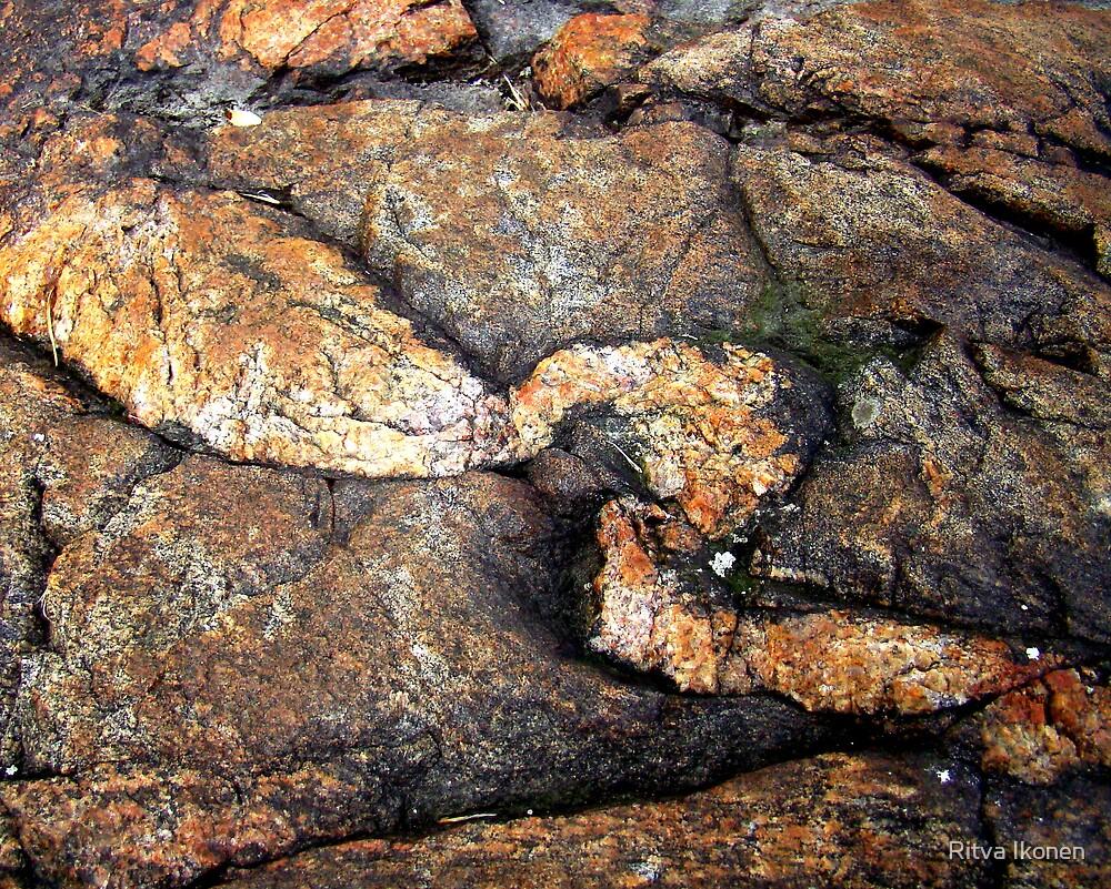 Stone Curves by Ritva Ikonen