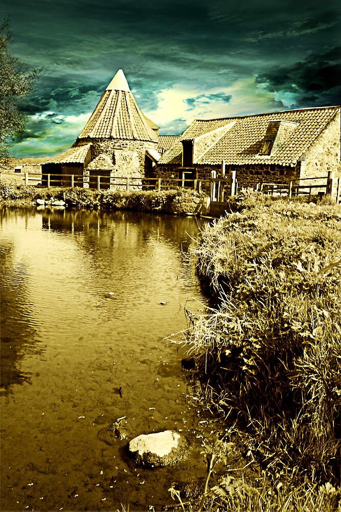 Phantassie Barn II by milton
