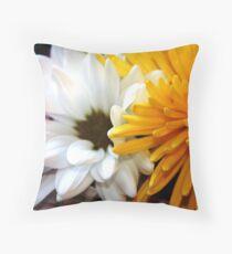 nestling florals Throw Pillow