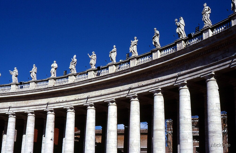St Peter's columns by MickDee
