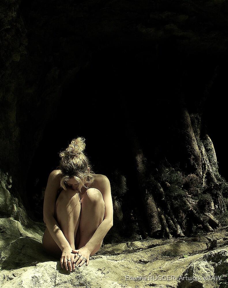 Simply nude by Etienne RUGGERI Artwork