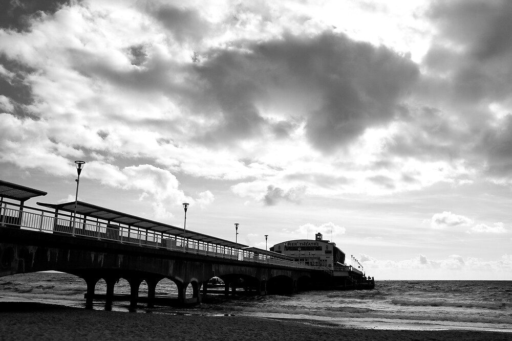 Bournemouth Pier by nathanpwilliams