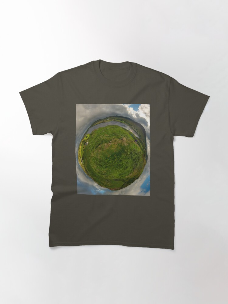Alternate view of Teelin Bay from Roxborough fort, S. Donegal Classic T-Shirt