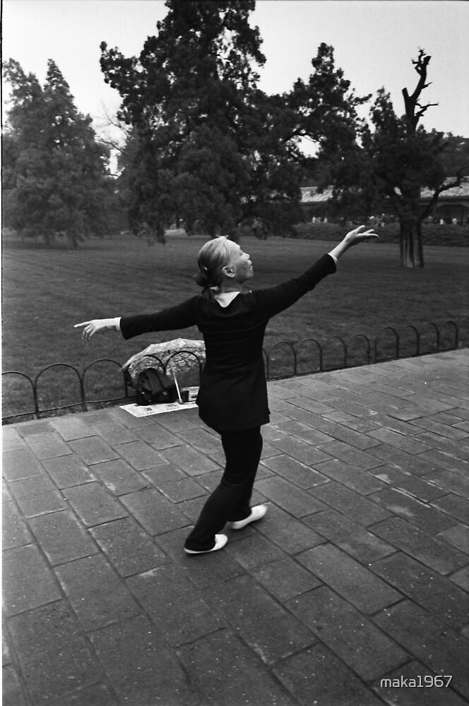 Morning dance by maka1967