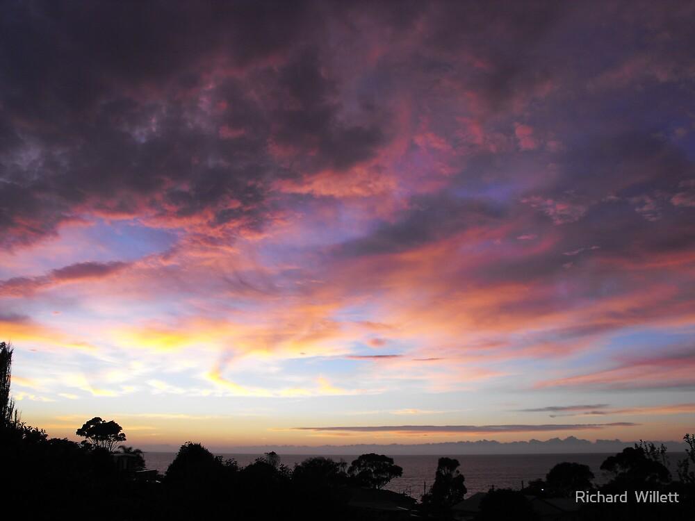 Sunrise at Tathra 2 by Richard  Willett