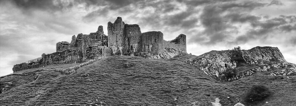 Carreg Cennen Castle, Wales by TimKing