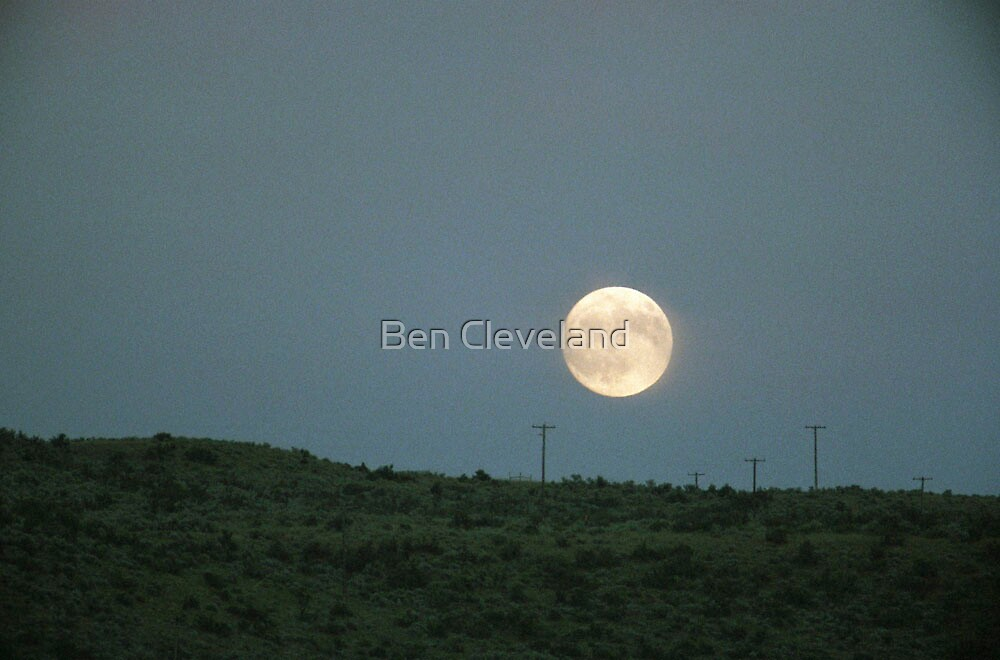 Moon Rise by Ben Cleveland