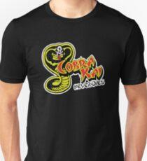 Cobra Kai stirbt nie Unisex T-Shirt