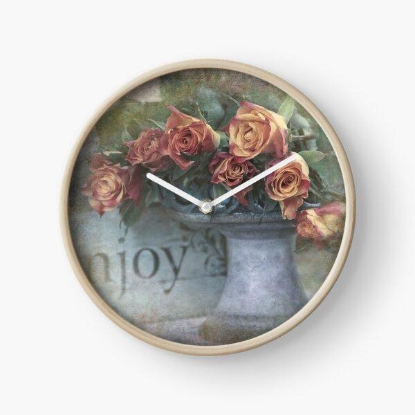 Enjoy roses Clock