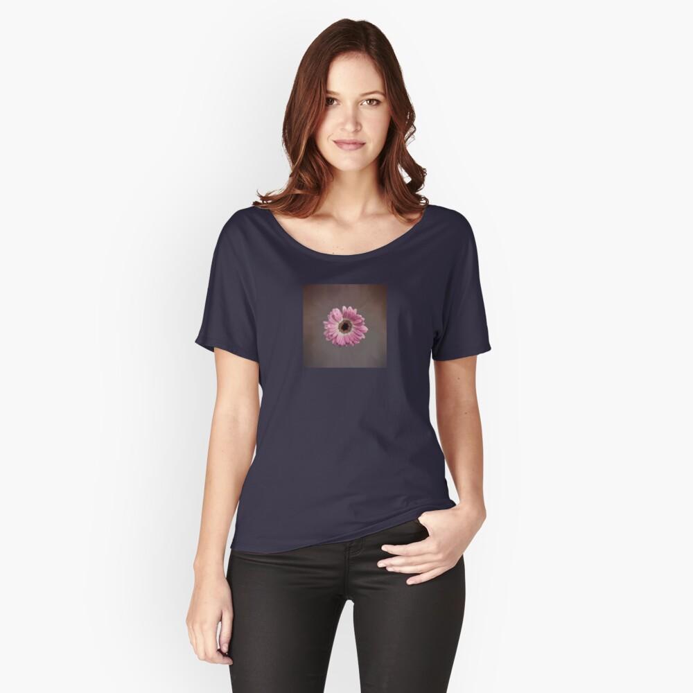 Single pink Gerbera Flower Relaxed Fit T-Shirt