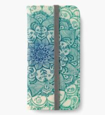 Emerald Doodle iPhone Wallet/Case/Skin