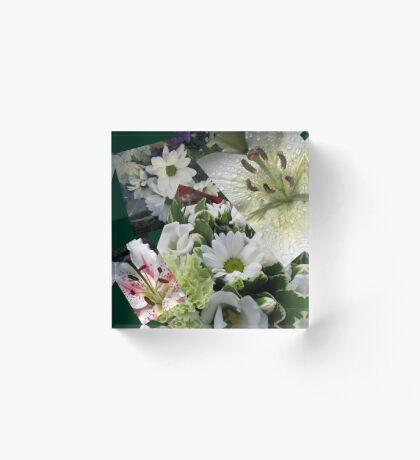 Weiße Freude - Floral Collage Acrylblock
