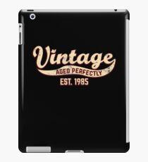 1985 Birthday Gift Vintage Est 33rd Birthday 33 Yrs Old B-day Present iPad Case/Skin