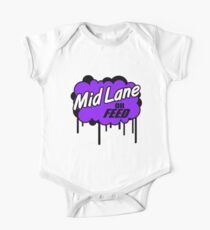 League of Legends: Mid Lane or Feed One Piece - Short Sleeve