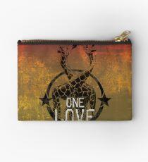 one love Studio Clutch