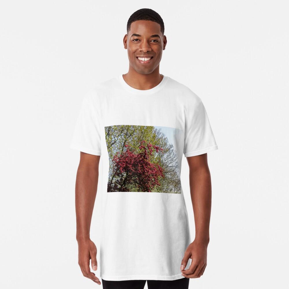 Baum mit roten Blüten Longshirt