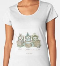 The Brambly Hedge baby mice snuggle in their cots Women's Premium T-Shirt