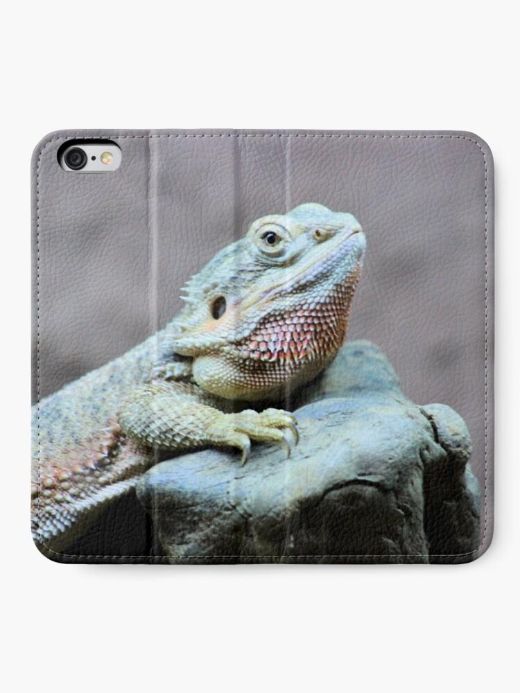 Alternate view of Iguana iPhone Wallet