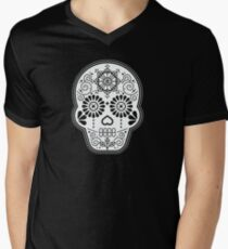Día de Muertos Calavera • Mexican Sugar Skull – White on Black Men's V-Neck T-Shirt
