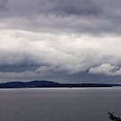 storm clouds over the bay by dedmanshootn