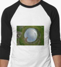 Glencolmcille Church - Sky In Men's Baseball ¾ T-Shirt