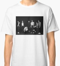 BTS - LOVE YOURSELF 轉 'Tear' Concept Photo 'O' Version Classic T-Shirt